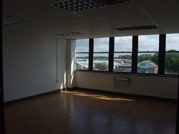 serviced office 66 long lane aintree liverpool l9 7dt