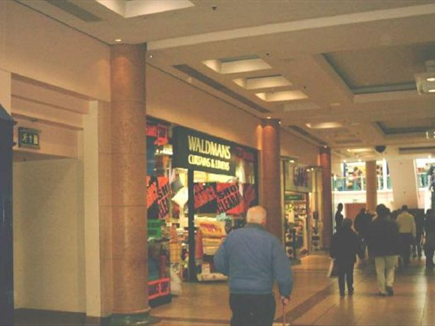 19 Spindles Shopping Centre Property Brochure