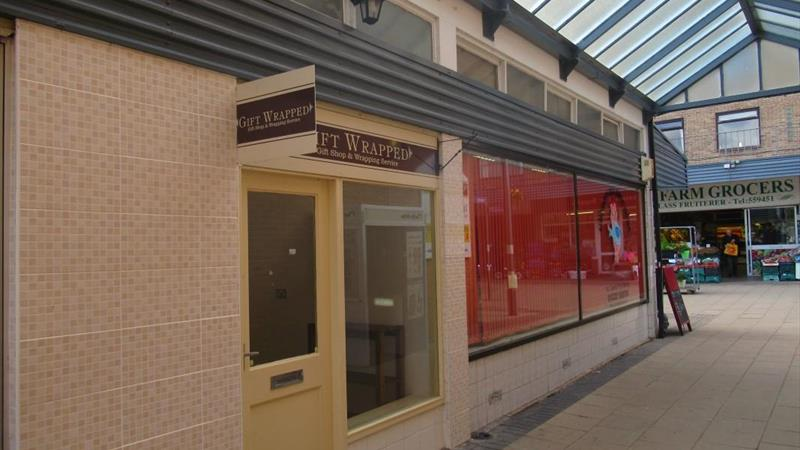 Retail Unit With Free Parking Available