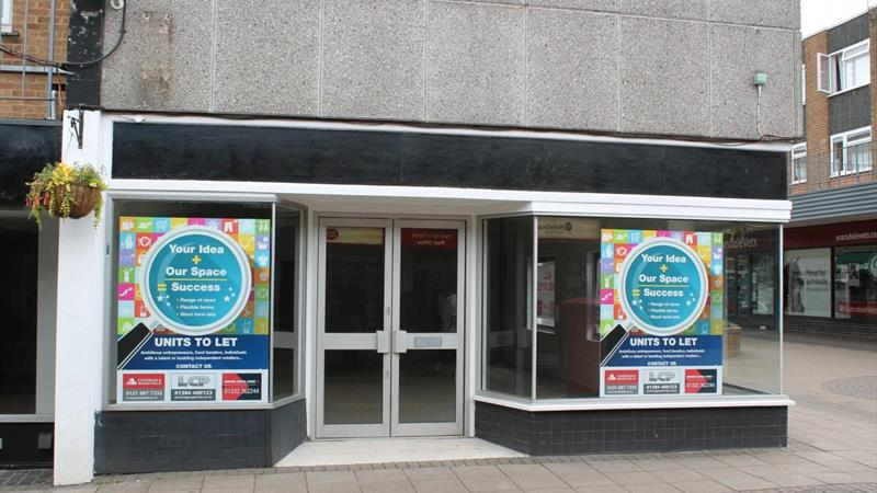 Retail Unit Close To Town Centre