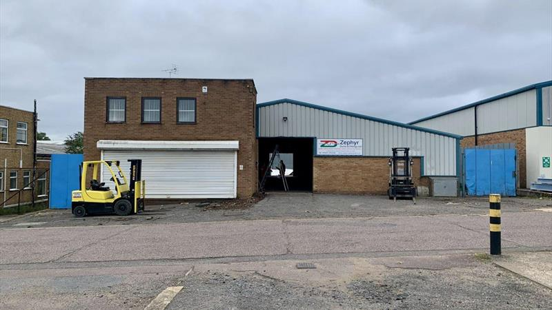 Industrial Premises With Rear Yard
