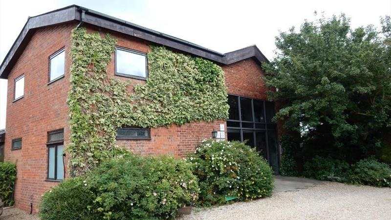 Modern Office Suites - To Let