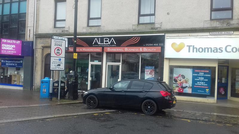 Attractive Retail Unit in Prominent Location