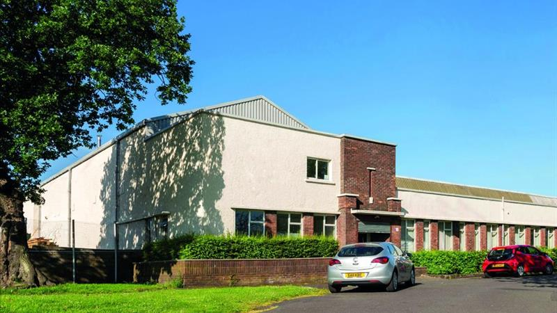 INDUSTRIAL UNIT WITH OFFICES & TWO SECURE YARDS