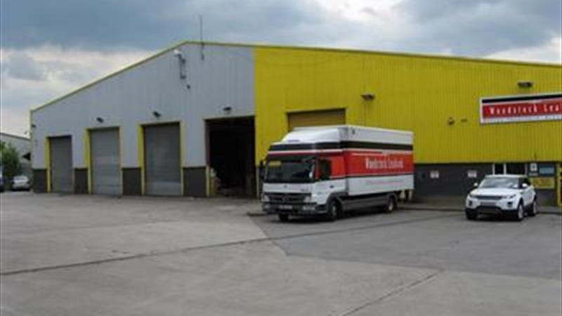 TO LET - SINGLE STOREY DETACHED INDUSTRIAL / WAREH