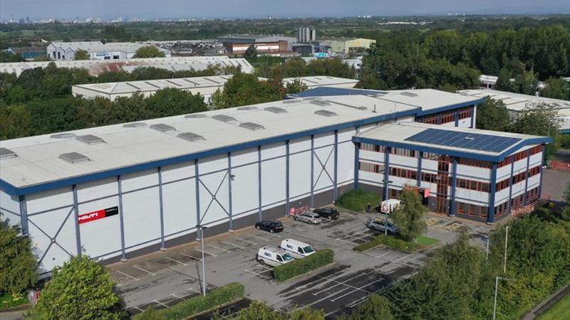 TO LET - DETACHED INDUSTRIAL / DISTRIBUTION WAREHO