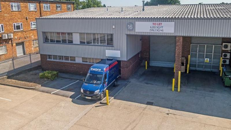 WAREHOUSE /INDUSTRIAL UNIT TO LET 6202 sq ft (576