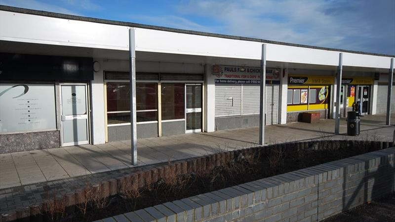 Shop With Large Glazed Frontage & Good Parking