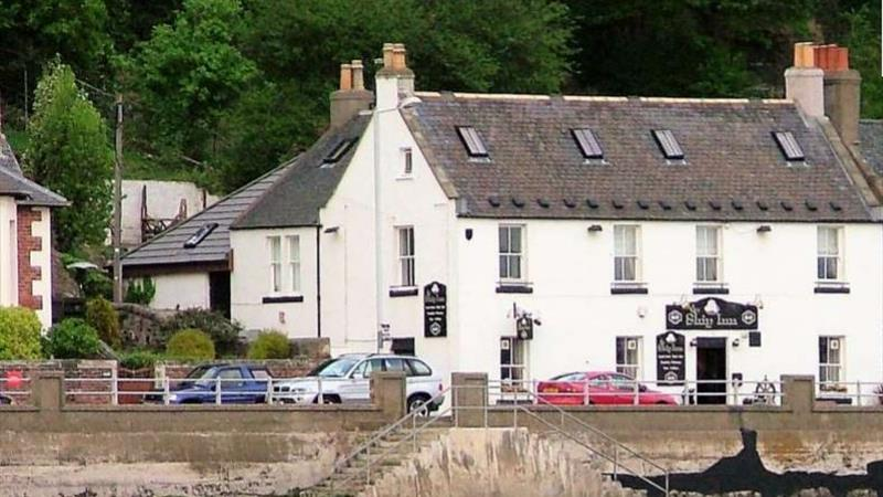 Superb Waterside Public House