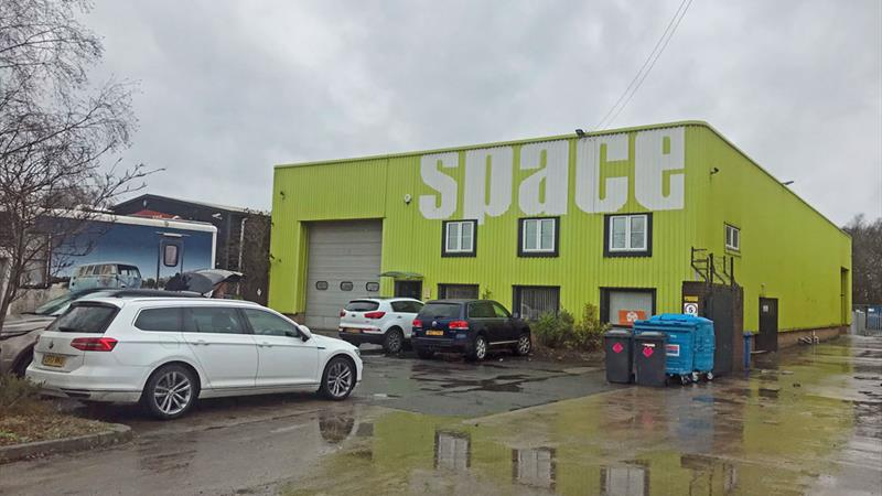 TO LET - Industrial/Warehouse Property
