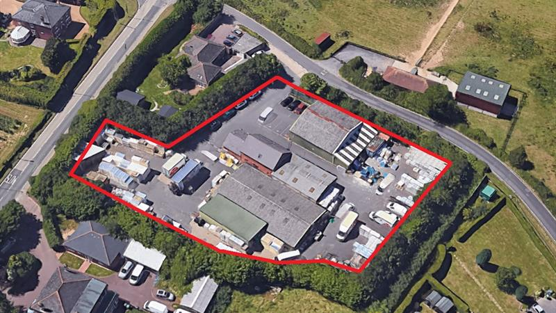 Warehouse & Office Buildings on 1.17 acre Site
