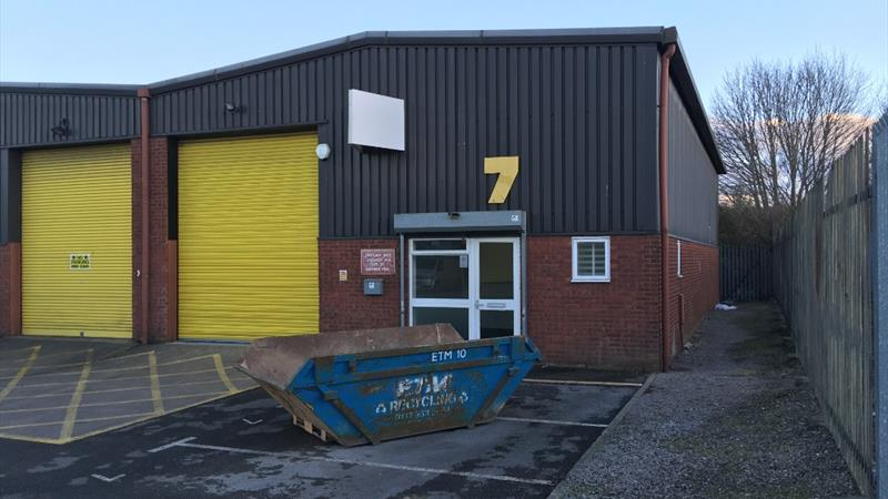 End of Terrace Warehouse / Industrial Unit