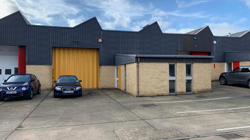 Warehouse On Popular Industrial Estate