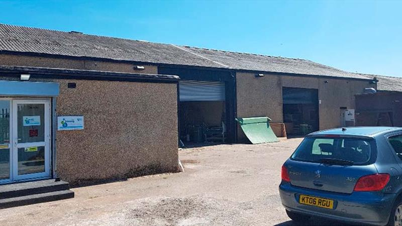 Industrial Unit Close To M80 & M73 motorways