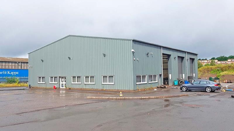 New Industrial Unit With Large Secure Yard