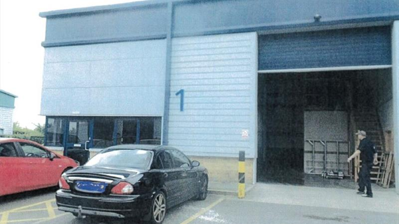 End Of Terrace Warehouse Unit With Good Parking