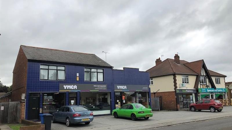 Large Commercial Premises With Flat Above
