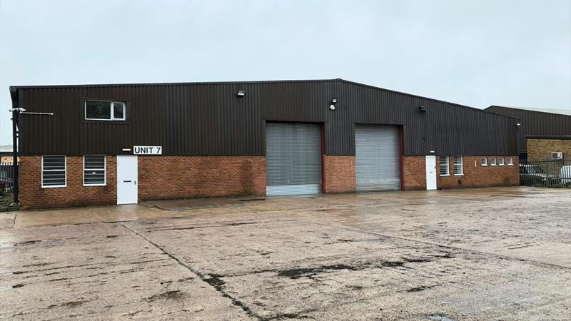 Two Terraces of Industrial Units with Secure Yard