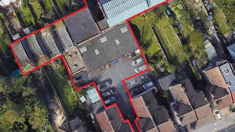 Industrial Premises With Excellent Road Connection