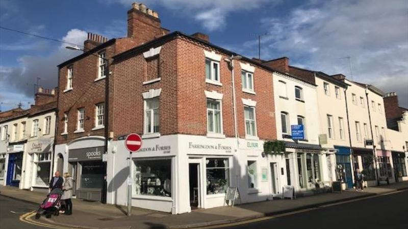 Business Premises In Town Centre Location