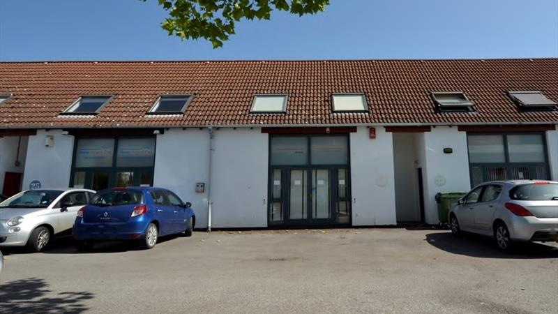 Business Premises With B1 Studio/Office Use