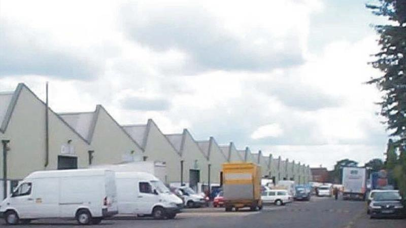 Warehouse Units In Convenient Location