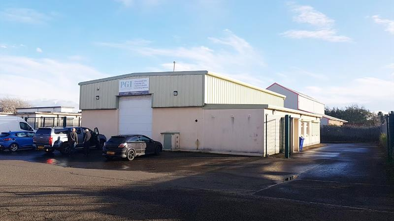 Warehouse With Secure Yard & Parking