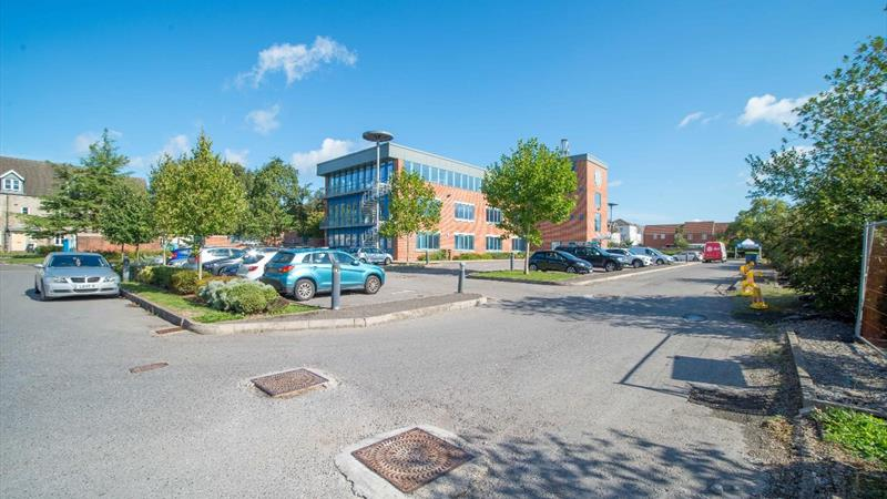 Open Plan Offices With Excellent Parking