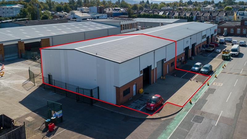 Warehouses With Dedicated Forecourt