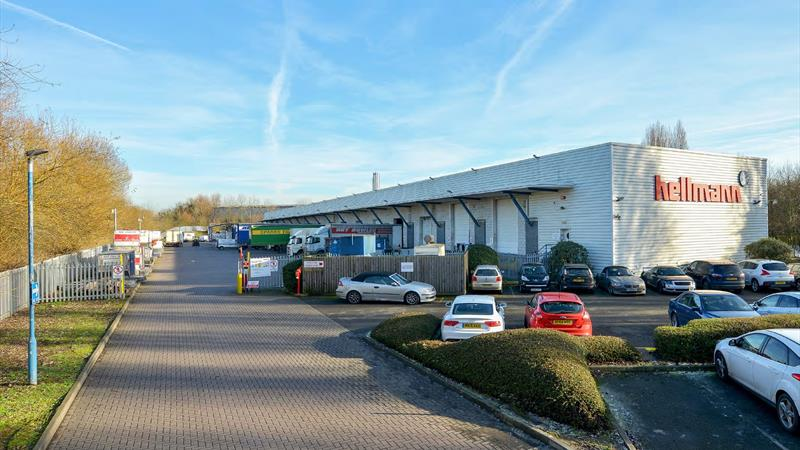 Warehouse Unit With Excellent Road Links
