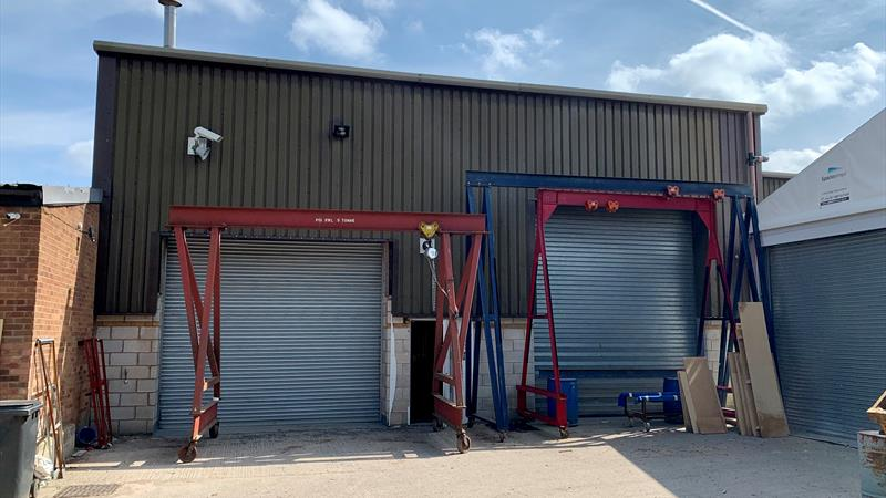 Industrial Unit with Secure Yard