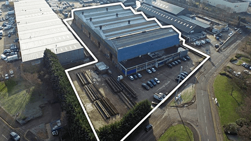 Large Industrial/Warehouse with Loading Bays