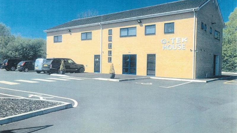 Office With Ample Parking & 24 Hour Access