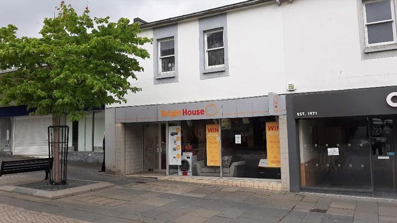 Large Retail Premises In Prime Position