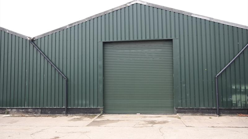 Warehouse With Excellent Transport Links