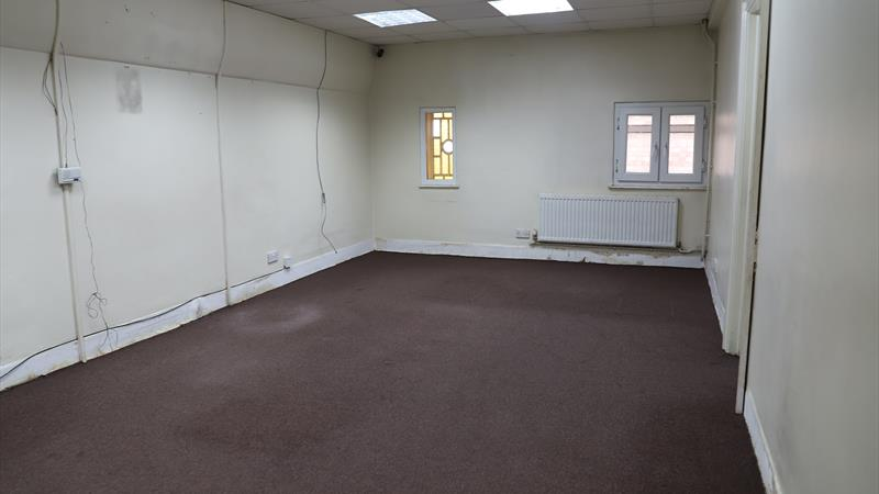 Large Office Space Available For Rent