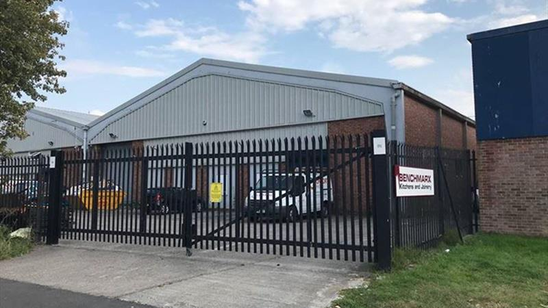 Warehouse In Secure Gated Yard