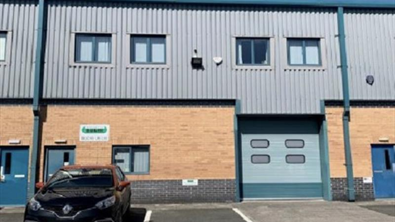 Modern Mid Terraced Hybrid Industrial Unit