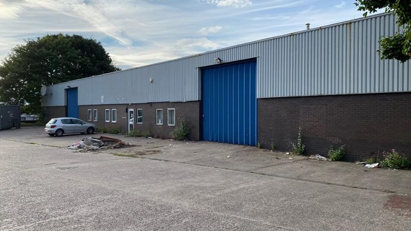 Modern Industrial Unit With On-Site Parking