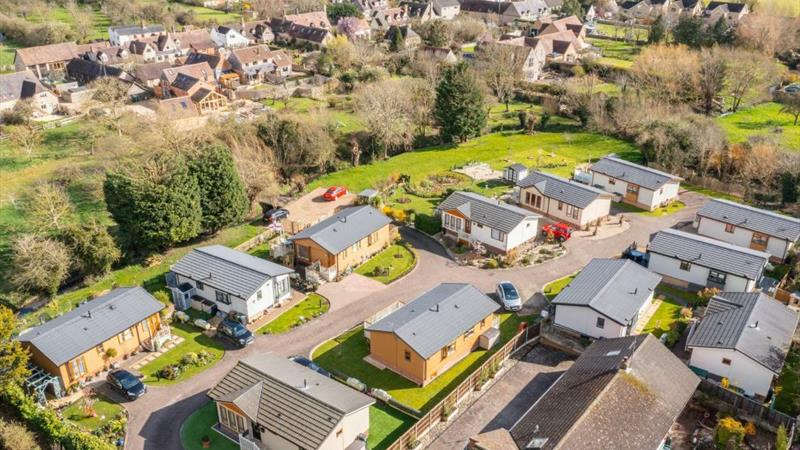 Detached Family Home & Residential Home Park