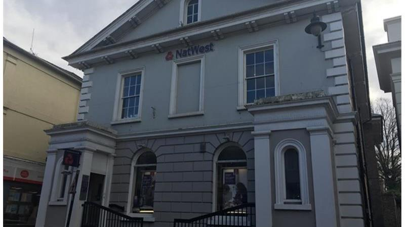 Natwest Bank - Former To Let in Tring