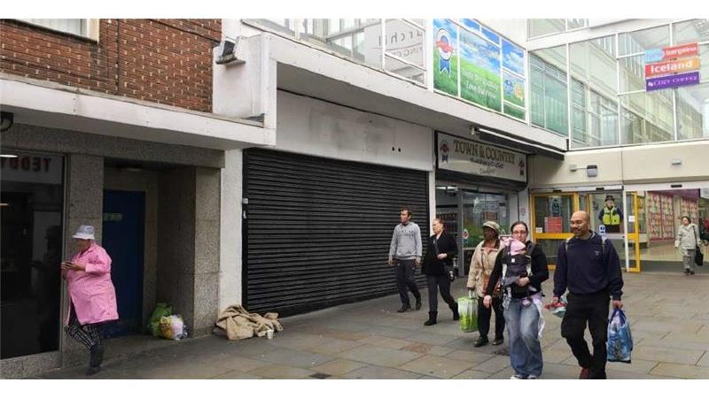 UNDER OFFER - Unit 2, Churchill Shopping Centre, D
