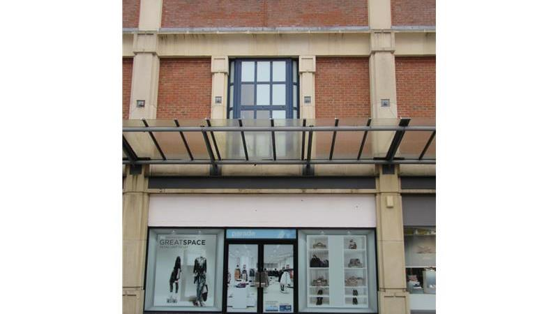 Retail Property in Swindon, Wiltshire To Let
