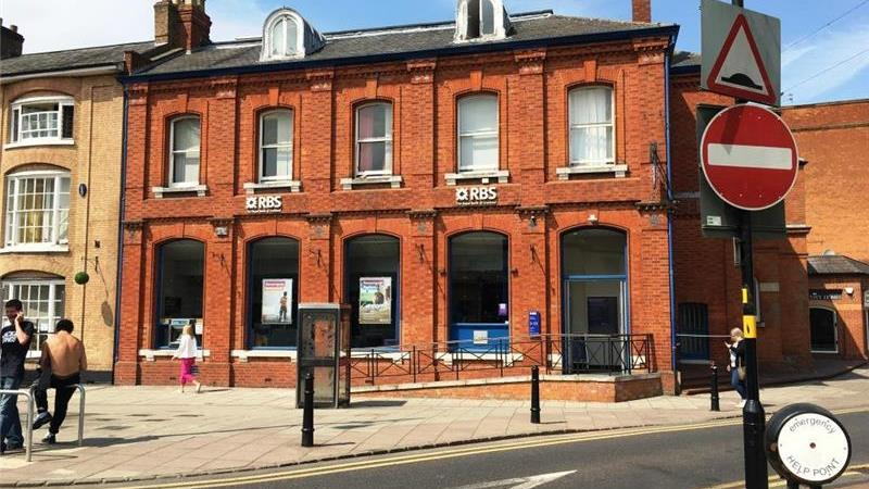 UNDER OFFER - Retail Property To Let in Rugby, War