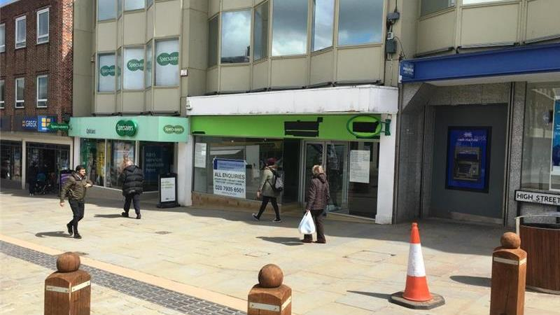 Retail Property on High Street To Let, Dudley Town