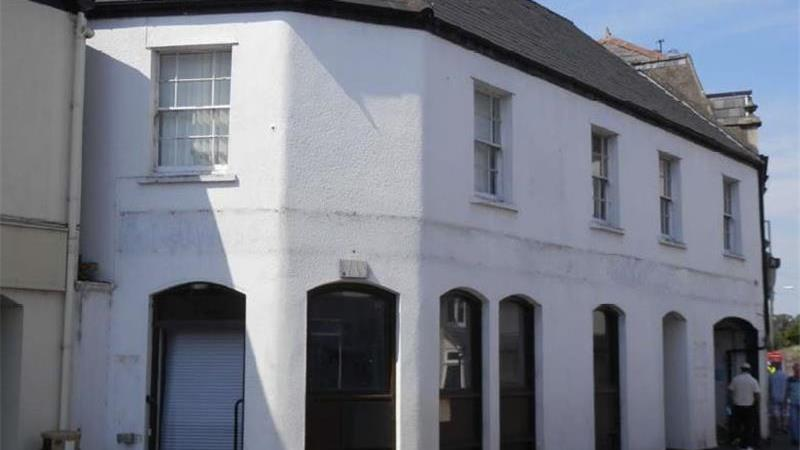 Retail Property To Let in Cheddar, Somerset
