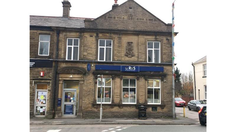 *UNDER OFFER* - Former Bank Premises - Adlington