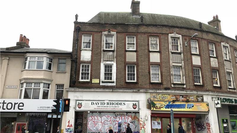 Shop & flat to let in Brighton
