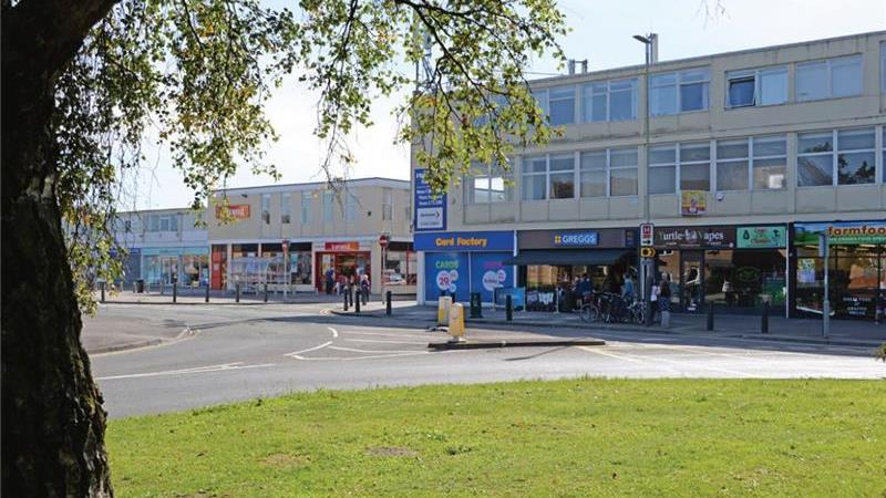 To Let - Retail Units in Busy community Shopping C