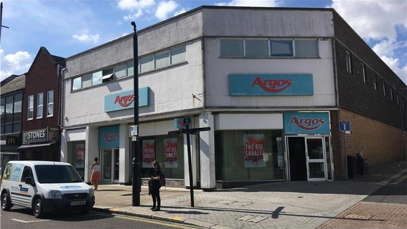 Ground Floor Retail unit To Let with first floor a